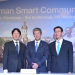 President and CEO Toshiba Corporation, Hisao Tanaka (tengah) bersama Managing Director of Toshiba Asia Pacific Pte. Ltd, Fumio Otani (kanan) dan Jakarta Officer Chief Representative Toshiba Asia Pasific, Takahiko Matsubara.