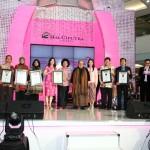 Pengukuhan 3 Rekor MURI Kategori Peserta Terbanyak: 'Edukasi Deteksi Dini Kanker Payudara', 'Pengumpulan Cap Bibir' dan 'Lomba Menghias Bra'