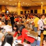 Suasana antusias calon pembeli di Jakarta Garden City