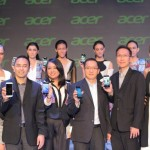 (ki-ka) Fabiant Kayatmo, Senior Product Manager Smarthandheld Acer, Rinda Salmun, Face of Jade, Herbet Ang, Presiden Direktur Acer Indonesia, Franki Djingga, GM Consumer Smarthandheld Acer
