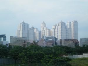 Deretan Apartemen di Surabaya