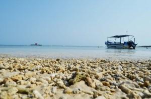 Pantai Tanjung Lesung di Provinsi Banten