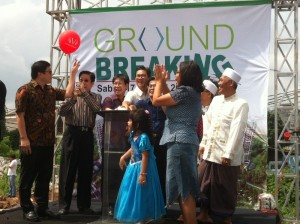 Prosesi Ground Breaking Victoria Square