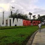 Gerbang Utama Mutiara Gading City yang dikembangkan Grup ISPI