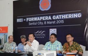 Ketua DPP REI Eddy Hussy saat diskusi dengan Forwapera