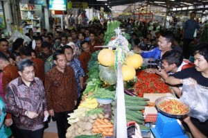 Presiden RI Joko Widodo mengunjungi Pasar Modern, BSD City