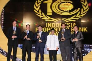 Penerima trophy Grand Award pada IPBA X, Hotel Senayan, Jakarta, Kamis 21 Mei 2015
