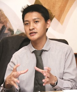 Suteja Sidarta Darmono Direktur PT JABABEKA Tbk