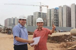 Didik Riyanto, Direktur Proyek Aeropolis (kiri) dan Suhendro Prabowo,COO Intiland (kanan) di Kawasan Terpadu Aeropolis