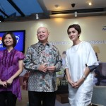 Head of Brand & Consumer Marketing PT ICI Paints Indonesia (AkzoNobel Decorative Paints Indonesia) Anastasia Tirtabudi, Presiden Direktur PT ICI Paints Indonesia(AkzoNobel Decorative Paints Indonesia), dan Ayu Sawitri Djody (Interior Desainer).