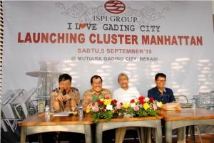 Komisaris Utama ISPI Group Preadi Ekarto (paling kiri) saat press conference Cluster Manhanttan Mutiara Gading City