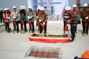 Prosesi topping off T Plaza