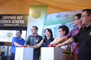 Prosesi topping off tower Athena Belmont Residence