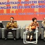 Dari Ki-Ka ; Soelaeman Soemawinata (DPD REI Banten), Ali Tranghanda (Pengamat), Adrianto P. Adhi (Direktur Utama PT. Summarecon Agung, Tbk), Aviliani (pengamat ekonomi) dan Ita Rulina (Deputi Direktur Departemen Kebijakan Makro Prudensial Bank Indonesia)