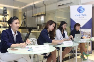 Press Conference Capitol Suites, Senin 9 November 2015