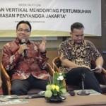 Corporate Secretary and Branding Custodian PT Langgeng Makmur Perkasa, Iwan Nur Iswan sedang memaparkan potensi pasar apartemen di Bekasi