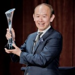CEO Crown GROUP, Iwan Sunito memegang trophy Property Person of the Year, Sydney, Australia