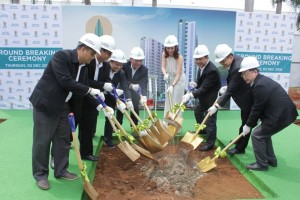 Prosesi pemancangan tiang pertama Olympic Residence