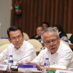 Menteri Pekerjaan Umum dan Perumahan Rakyat, Basuki Hadimuljono  (kanan) dan Direktur Jenderal Pembiayaan Perumahan, Kementerian Pekerjaan Umum dan Perumahan Rakyat, Maurin Sitorus (kiri)