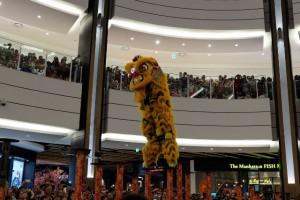Pertunjukan Barongsai di Atrium AEON MALL BSD CITY memeriahkan Tahun Baru Imlek 2016