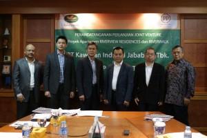 Penandatangan dilakukan oleh Budianto Liman dan Suteja Sidarta Darmono selaku Direktur Utama dan Direktur PT Jababeka Tbk dan Ir. Taufik Hidayat, M.Tech selaku Direktur Utama PT PP Properti Tbk.