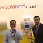(ki-ka) Direktur Utama PT. Bernadi Utama Aquinas Adi Praja Rulan dan Asia Manager Solahart, James Brown saat peluncuran