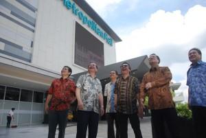 Direksi dan manajemen PT Metropolitan Land Tbk saat peresmian Metropolitan Mall Cileungsi