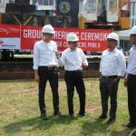"Project Manager PT Bakrie Pangripta Loka (BPL) Herry Susanto, Chief Operation Officer BPL Donny Wijaya, Chief Design & Construction Officer BPL Windoko, serta Promotion Division Head BPL Erfan Bachtiar sedang berbincang-bincang seusai ""Ground Breaking Sentra Timur Commercial Park 8"" di Jakarta, Kamis, (4/8)"