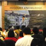 Presiden Direktur Jababeka Residence Sutedja S. Darmono, menjelaskan produk terbaru