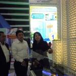 General Manager Marketing PP Properti Ari Kartika (paling kanan) bersama Direksi PP Properti didepan salah satu maket