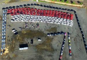 Untuk mengibarkan semangat merah putih, GIIAS 2016 bersama dengan Red & White Car Community melakukan konvoi Sang Saka Merah Putih disekeliling lokasi pameran