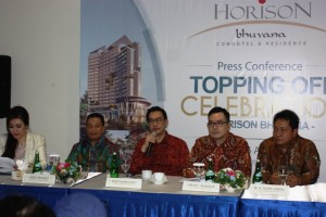 CEO Gapuraprima Group Rudy Margono saat press conference didamping Direksi Gapuraprima Group