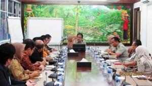 Menteri ATR/Kepala BPN Sofyan Djalil (tengah) saat menerima kunjungan Realestat Indonesia (REI)