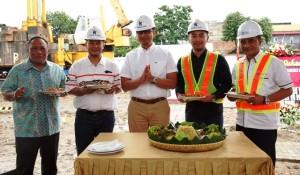 Direktur Utama Kopelland Bogi Aditya (tengah) saat mengunjungi persiapan groundbreaking proyek