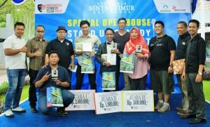 Para pemenang Stand up comedy contest Sentra Timur Residence