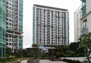 berada di tengah kota, Woodland Park Residence memiliki  lingkungan yang asri dan hijau.