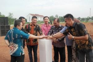 Manajemen Banara Serpong melakukan prosesi groundbreaking