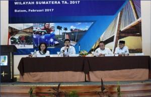 Kepala Subdit Bantuan Rumah Umum, Kukuh Firmanto saat membacakan sambutan tertulis Direktur Rumah Umum dan Komersial Ditjen Penyediaan Perumahan, Irma Yanti