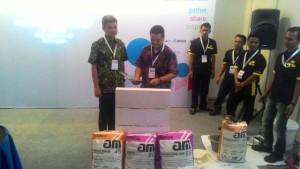 Direktur Utama PT AMBPI Andytio Budiarto menjelaskan produk terbaru AM