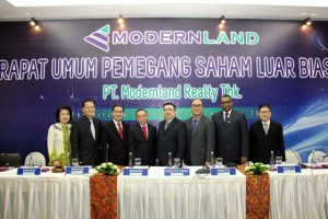 Jajaran Komisaris dan Direksi PT Moderland Realty Tbk