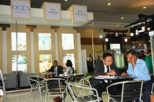 Antusias pengunjung mendapat penjelasan tentang The Masterpiece & The Empyreal Di REI Expo