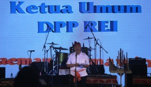 Soelaeman Soemawinata, ketua Umum REI.