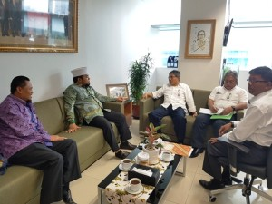 Walikota Bengkulu Helmi Hasan saat audiensi ke Direktur Jenderal Penyediaan Perumahan Kementerian PUPR Syarif Burhanuddin