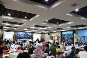 Antusias konsumen saat launching dan pemilihan unit Ruko Hollywood Boulevard Tahap I dan SOHO (Small Office Home Office) Cortes, Minggu (9/4)