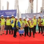 Prosesi topping off tower pertama Gayanti City, Sabtu (19/5)