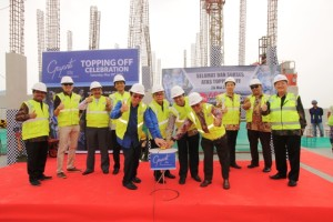 Prosesi topping off tower pertama Gayanti City, Sabtu (19/5)