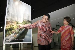 Direktur Pengelolaan Modal dan Investasi Intiland, Archied Noto Pradono (kiri) dan Direktur Marketing Intiland, Susan Pranata menjelaskan proyek terbaru Intiland di kawasan pusat bisnis Jakarta