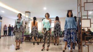 Cimanggis City Menggelar Acara Batik Trunk Show