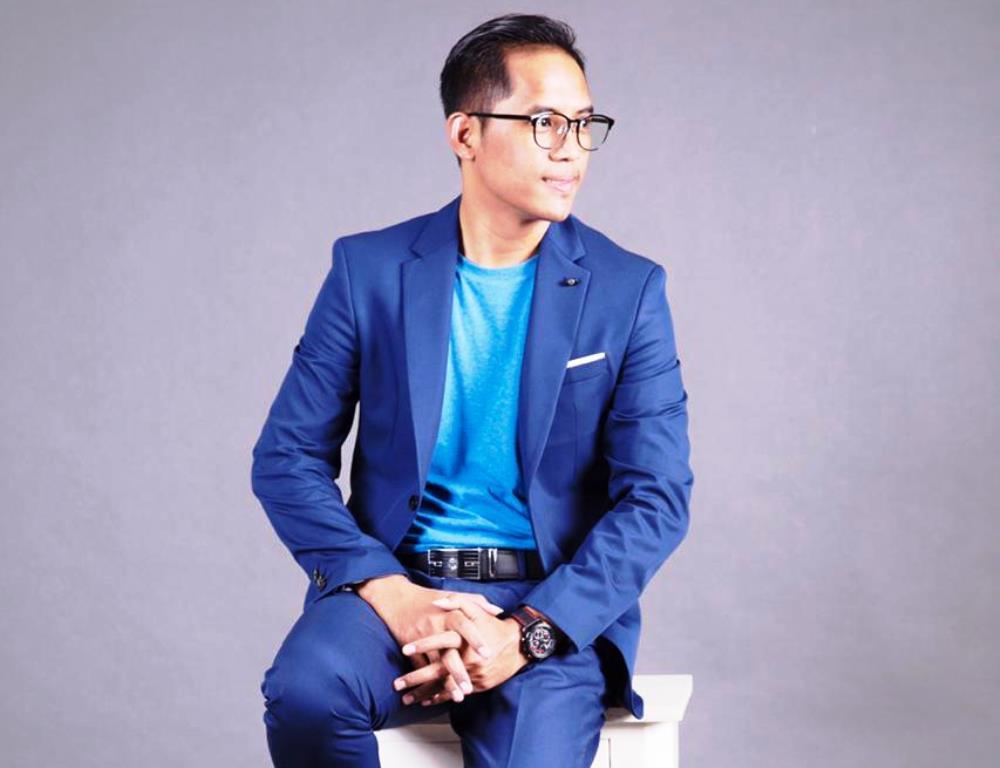 Pendiri dan CEO RenovAsik Indra Setiawan