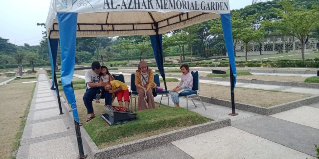 Al Azhar Memorial Garden